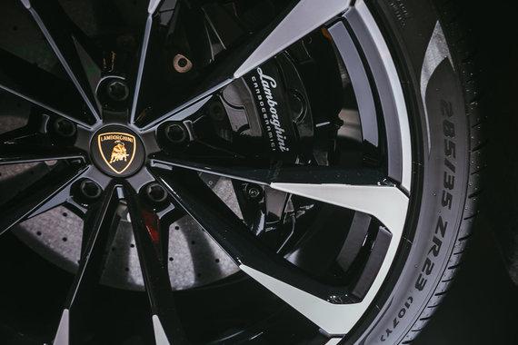 """Irmanto Gelūno / 15min nuotr./Ženevos parodoje - """"Lamborghini Urus"""": pirmasis sportinių automobilių gamintojo visureigis"""