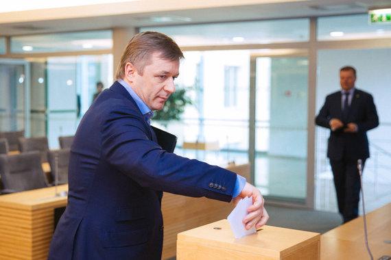 Irmanto Gelūno / 15min nuotr./Seimas balsuoja dėl M.Basčio mandato panaikinimo