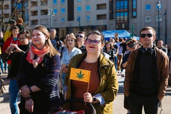 Irmanto Gelūno / 15min nuotr./Nepriklausomybės aikštėje Vilniuje vyko Kanapių kultūros diena