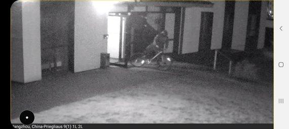 Kadras iš liudininko filmuotos medžiagos/Užfiksuotas įtariamasis