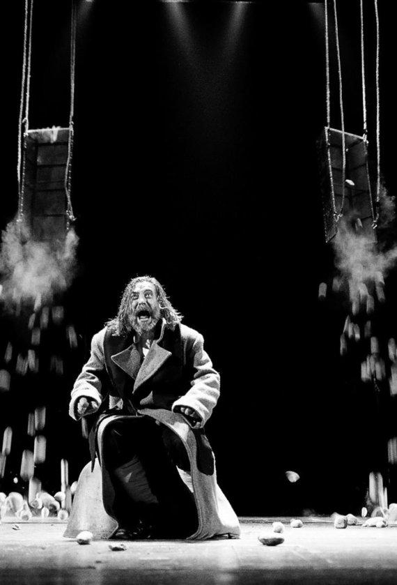 """Dmitrijaus Matvejevo nuotr./Scena iš Eimunto Nekrošiaus spektaklio """"Makbetas"""""""