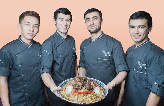 """Organizatorių nuotr./Artimųjų Rytų virtuvės restorano """"Kinza"""" šefai"""