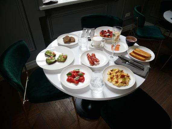 """Restorano archyvo nuotr./""""Vila Komoda"""" vėlyvieji pusryčiai"""