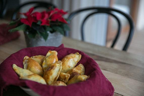 Juliaus Kalinsko / 15min nuotr./Argentinietiški mėsos pyragėliai empanados