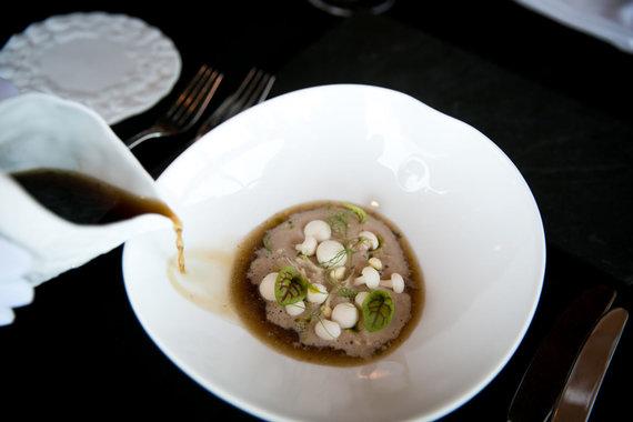 Juliaus Kalinsko / 15min nuotr./Grybų sriuba, kur pinasi lietuviški ir egzotiški grybai