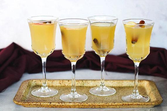 Tinklaraščio archyvo nuotr. /Obuolių sulčių gėrimas