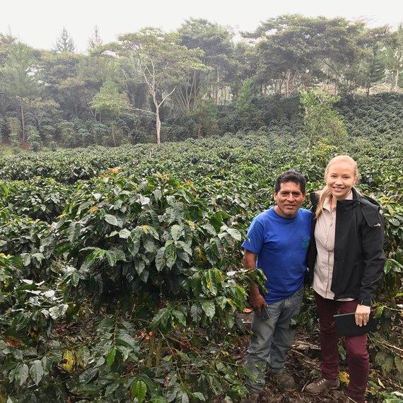 Asmeninio albumo nuotr./Kavos ūkyje Peru