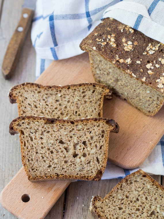 Vida Press nuotr./Tamsi duona su raugu