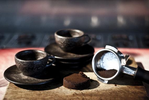 """""""Kaffeeform"""" nuotr./Vienam mažiausiam puodeliui pagaminti reikia po 6 espreso porcijų likusių tirščių"""
