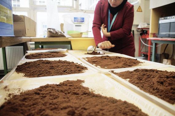 """""""Kaffeeform"""" nuotr./Tirščių savybėms turi įtakos kavos malimas, bet ne rūšis"""