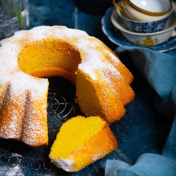 Nidos Degutienės nuotr. /Braziliškas kukurūzų miltų keksas