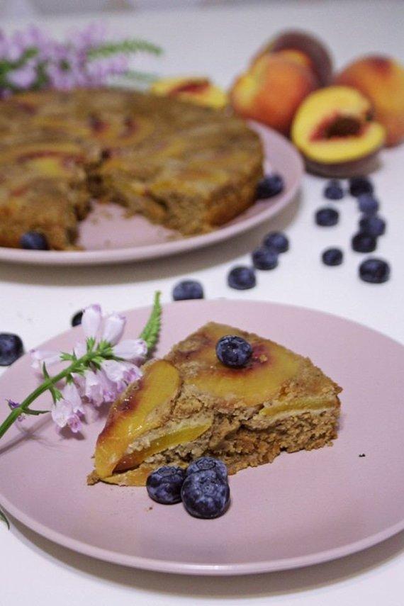 Tinklaraščio archyvo nuotr./Veganiškas persikų pyragas