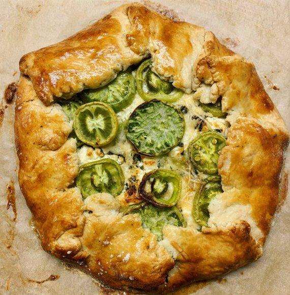 Tinklaraščio archyvo nuotr. /Galetė su žaliais pomidoras ir ožkos sūriu