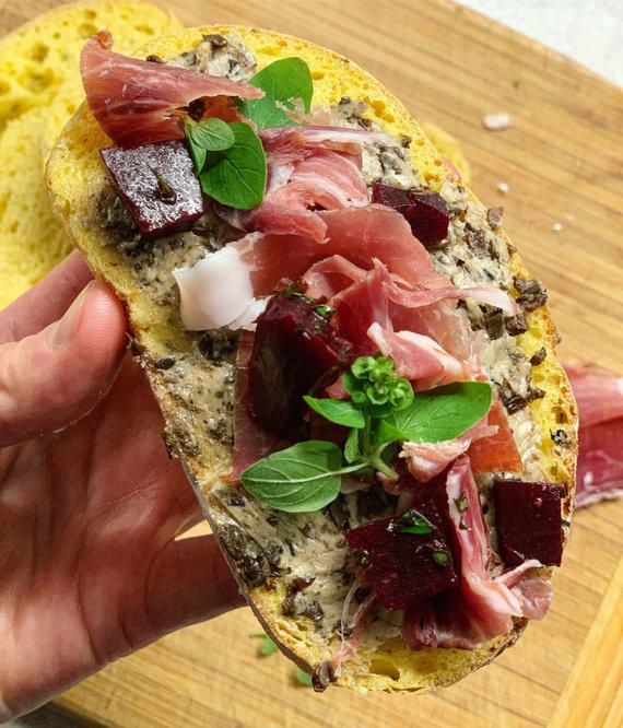 Tinklaraščio nuotr. /Sviestas su džiovintais grybais tinka ruošiant sumuštinį