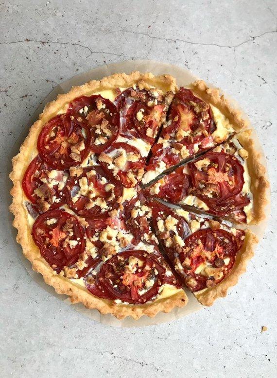 FeedMySister nuotr./Rūkyto varškės sūrio ir pomidorųtarta