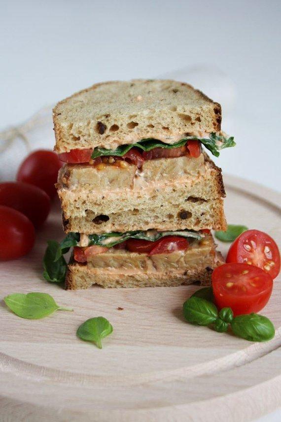Tinklaraščio archyvo nuotr. /Sumuštinis su tempe, pomidorais ir žalumynais