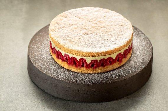 TV3 nuotr. /Avietinis tortas su pistacijų kremu