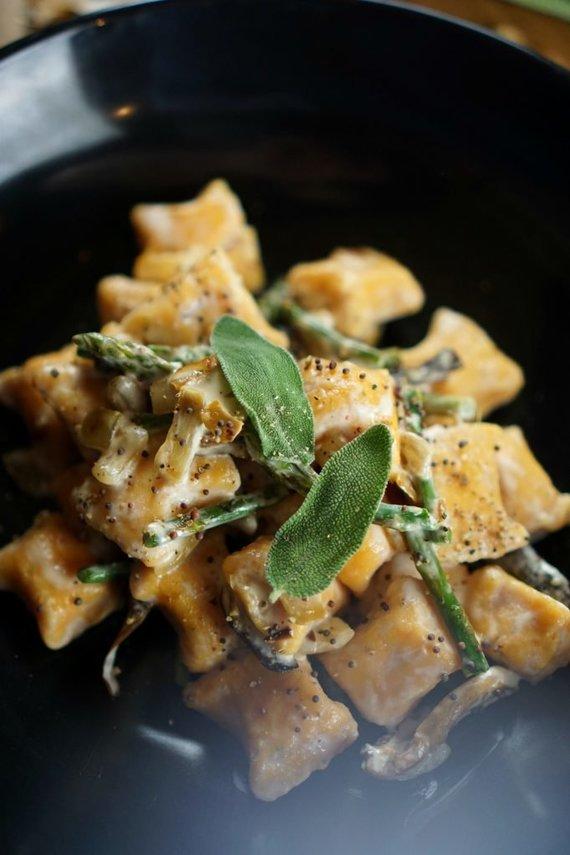 """Tinklaraščio archyvo nuotr. /Saldžiųjų bulvių virtinukai """"gnocchi"""" su miško grybais"""