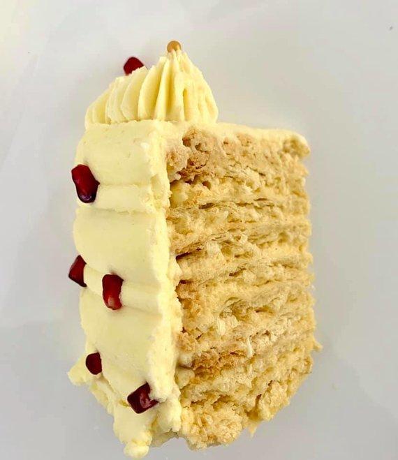 """Autorės nuotr. /""""Napoleono"""" tortas gabalėlis"""