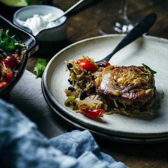 Nidos Degutienės nuotr. /Keptas viščiukas su ryžiais ir pupelėmis Lotynų Amerikos stiliumi