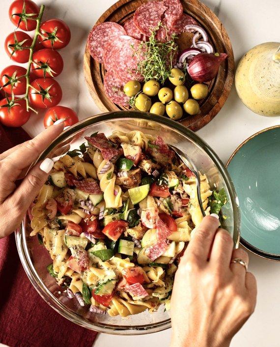 Tinklaraštininkų nuotr./Itališkos makaronų salotos
