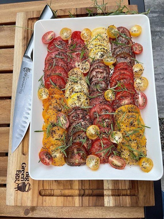 Tinklaraštininkės nuotr. /Rūkytas sūris labai dera su pomidorų salotomis