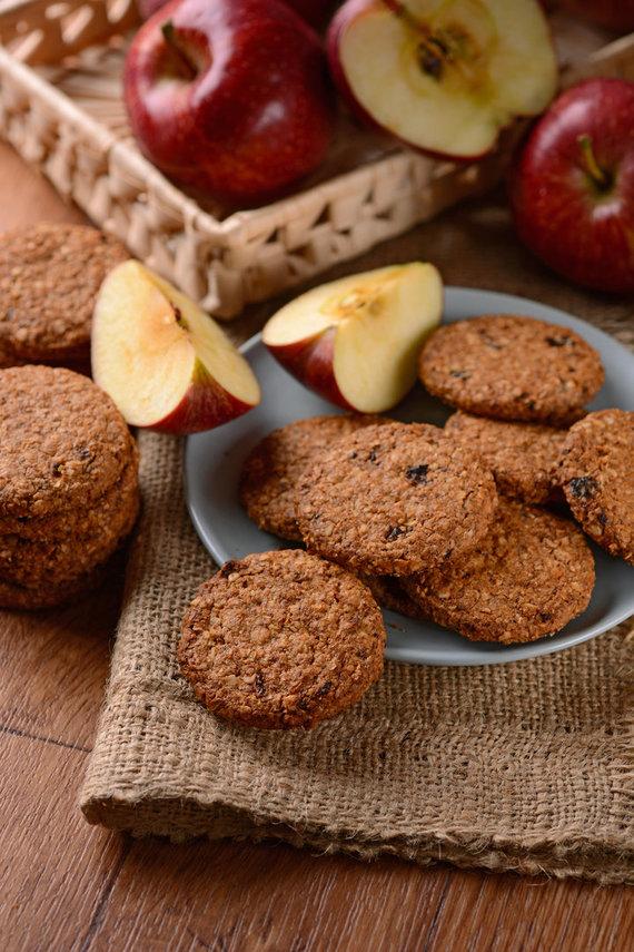 Vida Press nuotr./Avižiniai sausainiai su obuoliais