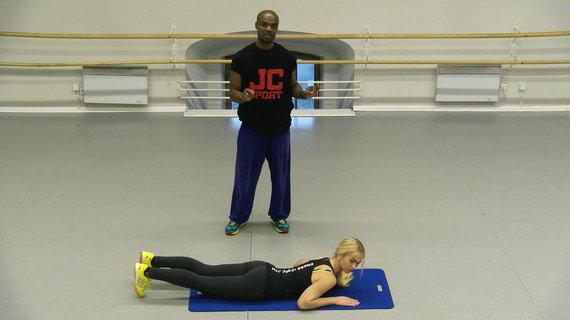 """Treniruotė su """"JC Sport"""": kaip sustiprinti viršutinę kūno dalį"""