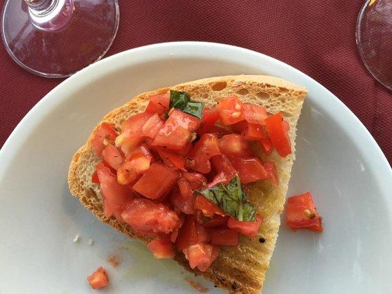 Vida Press nuotr./Užkandis su pomidorais