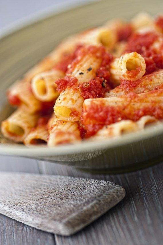 Vida Press nuotr./Makaronai su pomidorų padažu