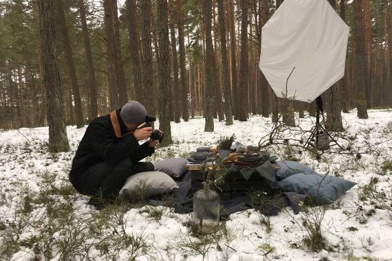 """Roberto Daskevičiaus/""""52 kartai"""" nuotr./Fotosesija miške"""