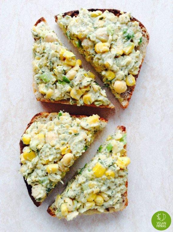 """""""Vegan Pipiras"""" nuotr./Veganiškas sumuštinis su """"tuno"""" salotomis"""