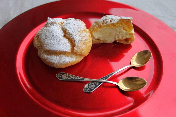 Jurgos Jurkevičienės nuotr. /Plikyti pyragaičiai su kremu