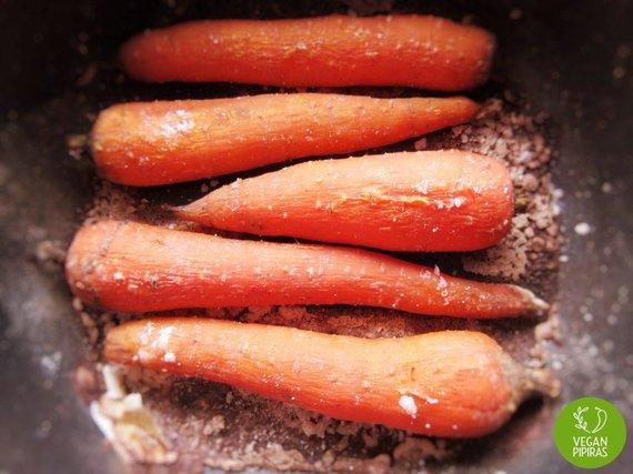"""""""Vegan Pipiras"""" nuotr./Iškeptos morkos"""
