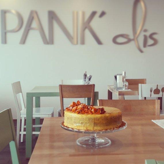 """Restorano archyvo nuotr./""""PANK'olio"""" komandos morkų tortas"""