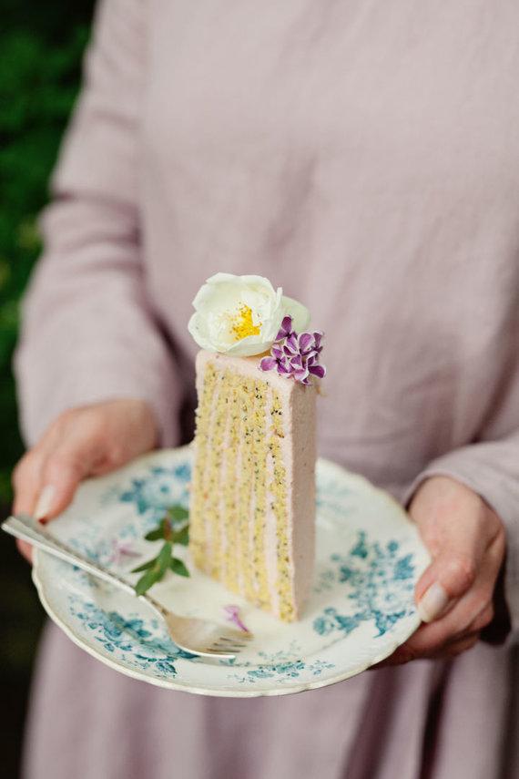 """""""Fotopastelė"""" nuotr. /Rožėmis kvepiantis rabarbarų tortas"""