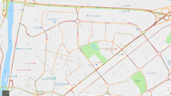 Google maps žemėlapis/Raudona spalva pažymėtos spūstys mieste