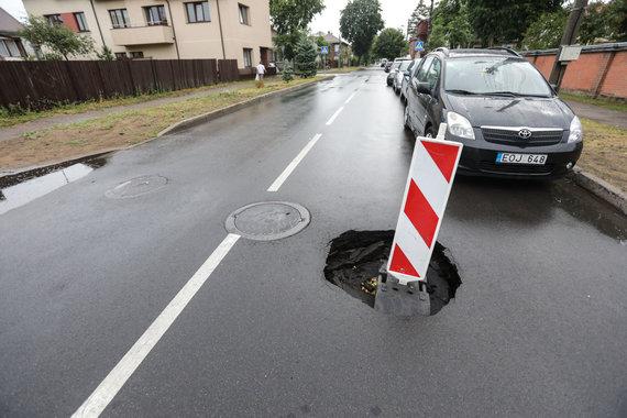 Eriko Ovčarenko / 15min nuotr./Duobė Kapsų gatvėje