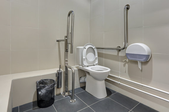 123RF.com nuotr./Vis daugiau viešų erdvių pritaikoma žmonės su judėjimo negalia