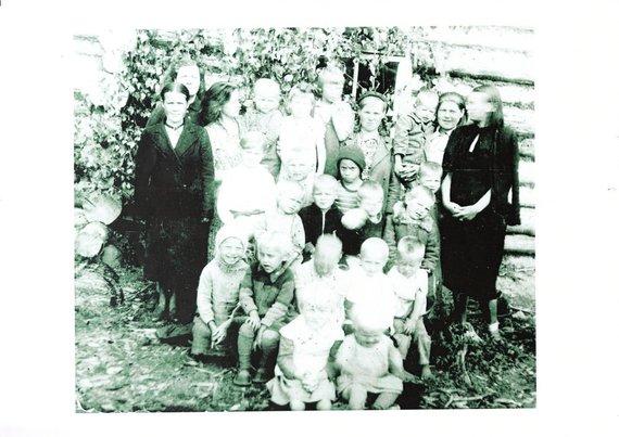 Asmeninio albumo nuotr./Istorinė nuotrauka – Šarvolis 1946 m.