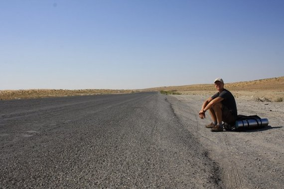 Živilės Necejauskaitės nuotr./Tuščias kelias per Karakumų dykumą jungia šalies šiaurę ir pietus