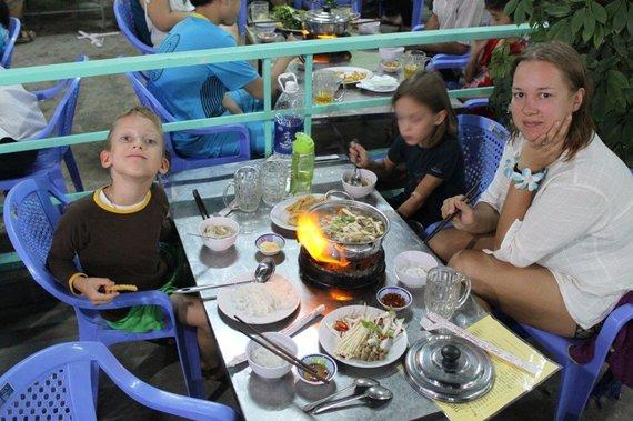 Simonos ir Tomo Kupečių nuotr./Gyvendami Tailande Kupečiai keliavo po aplinkines šalis, pavyzdžiui, Vietnamą