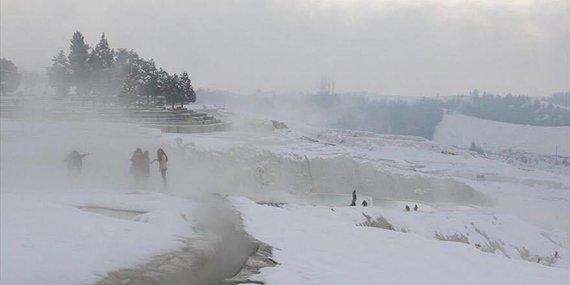 Asmeninė nuotr./Terminiai baseinai Pamukalėje žiemą