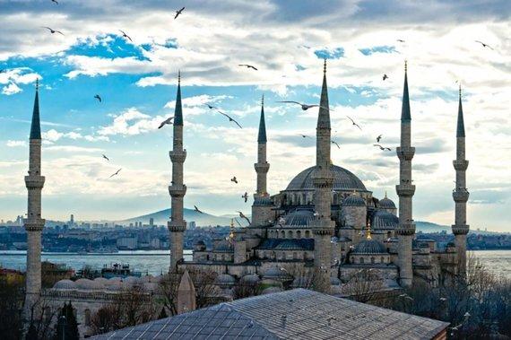 123rf.com /Saulėlydis virš sultono Ahmedo mečetės