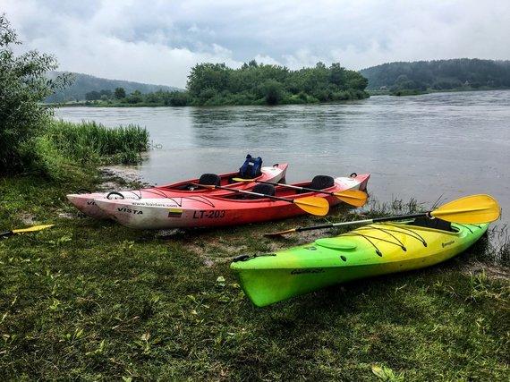 """""""Active Trips"""" nuotr./Plaukimas baidarėmis Merkio upe"""