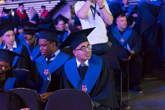 Asmeninė nuotr./Rohan Muhammed tarp kitų KTU absolventų