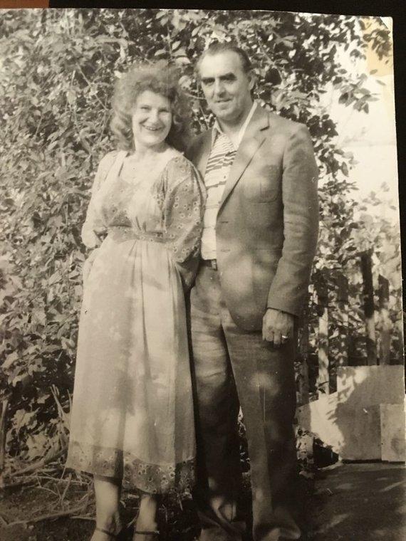 Asmeninio archyvo nuotr./Romualda Juozapavičiūtė su sutuoktiniu Pranciškumi. Po vedybų pasiliko mergautinę pavardę tikėdama, kad vieną dieną ją susiras tėvas, išvykęs į JAV.