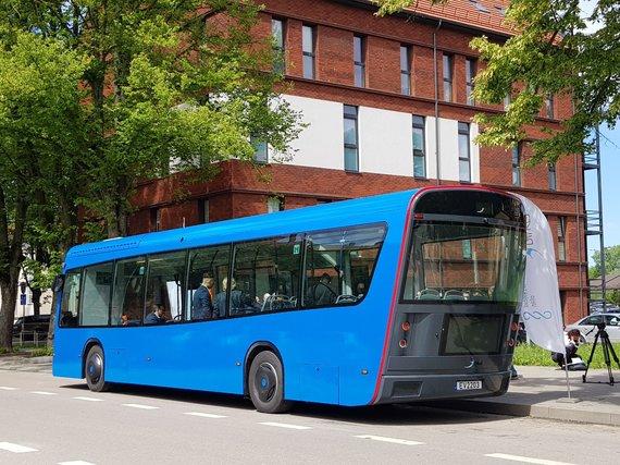 J. Andriejauskaitės / 15min nuotr./Klaipėdoje pastatytas elektrinis autobusas