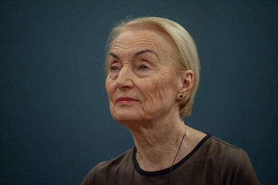 O.Kasabovos nuotr./Teatro istorinius vingius puikiai išmananti prof. D.Kšanienė