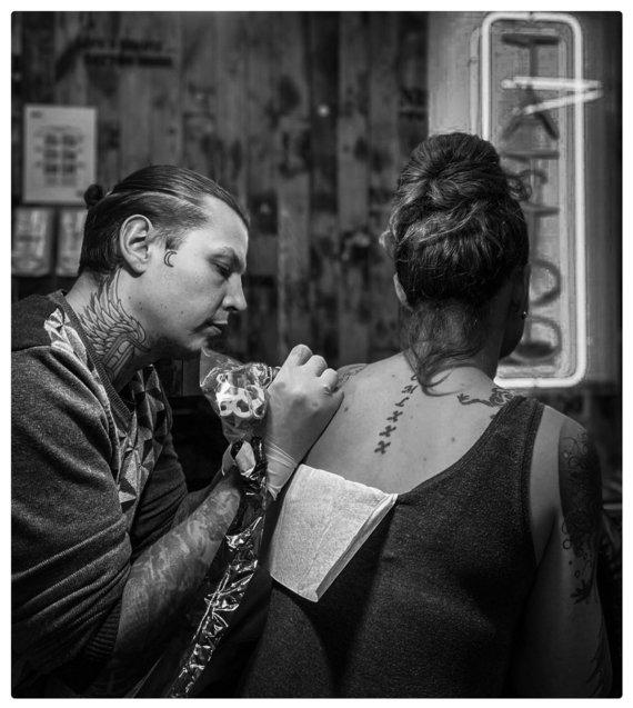 Asmeninio arch. nuotr./D.Djačkovas ir jo išpieštos tatuiruotės